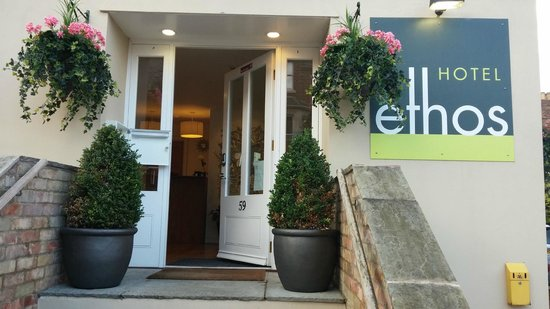 Ethos Hotel Oxford: Converted terrace in quiet residential area