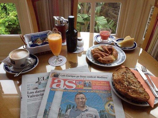 Costa Vella Hotel : Desayuno en la Galería