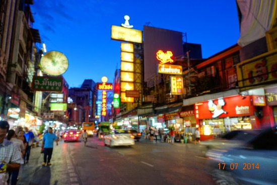 Chinatown - Bangkok: China Town at night