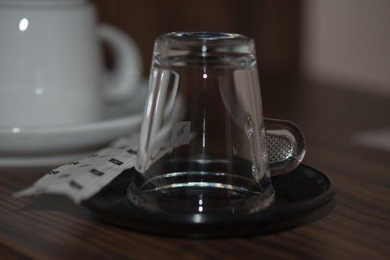 Hotel Stadt Cuxhaven: Kaffee Hotelzimmerbeispiel
