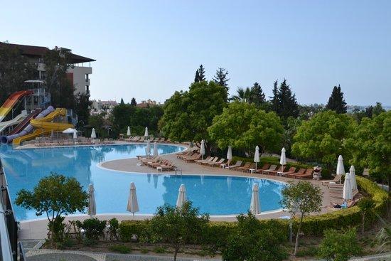 Horus Paradise Luxury Resort: Main pool