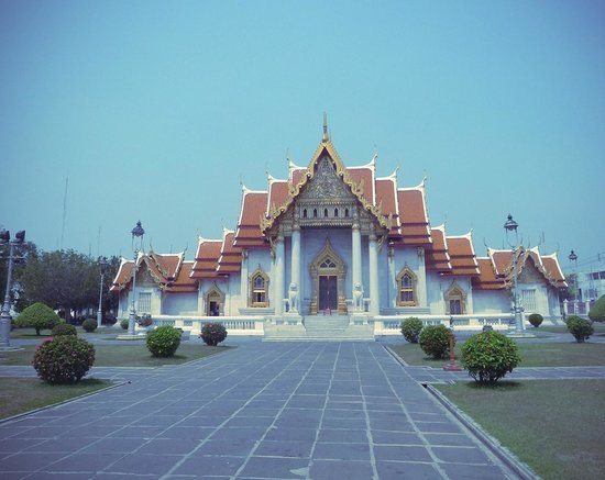 Wat Benchamabophit (The Marble Temple): Мраморный дворец