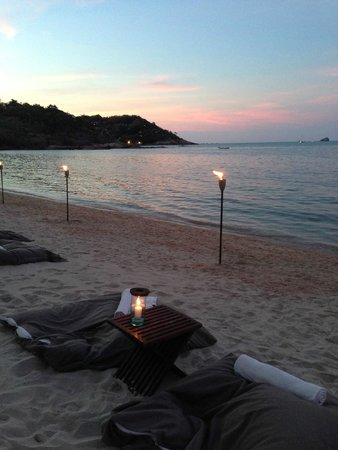 SALA Samui Resort And Spa : Sunset while listening to live music