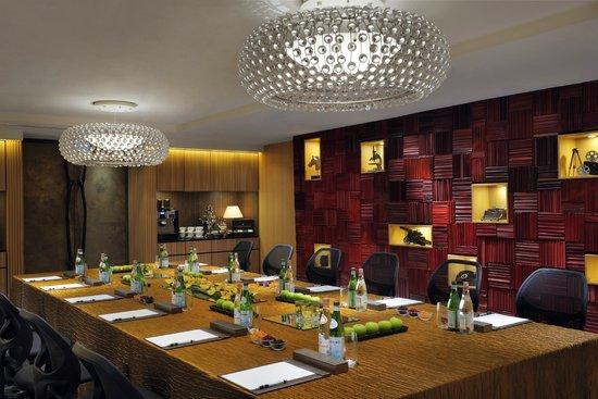 Le Meridien Singapore, Sentosa: Boardroom - Boardroom Set-up