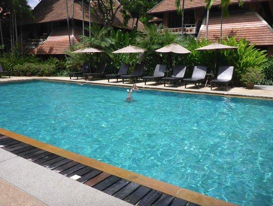 Yaang Come Village: Pool