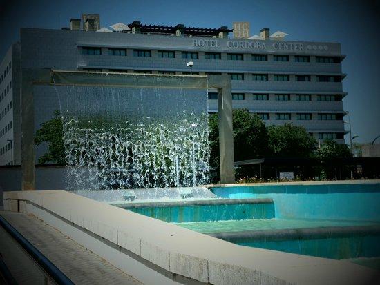 Hotel Córdoba Center: Entrada al hotel