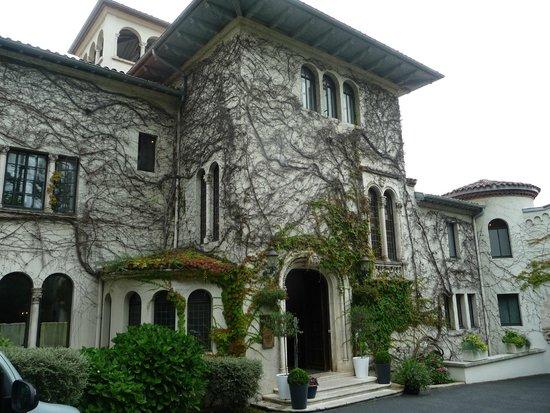 Chateau de Brindos : chateaux