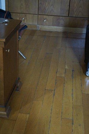The Wooden Floor Picture Of Minerva Premier Hotel Thessaloniki