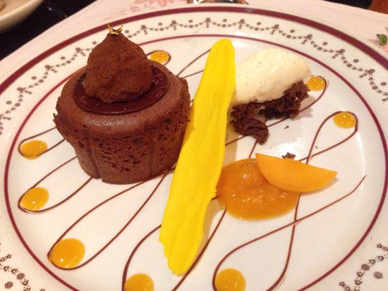 Chesa: Chocolate Pudding - to die for!!!!