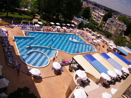 Sol Nessebar Mare : Pool view from the room