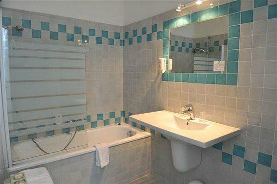 Hôtel du Forum : salle de bain
