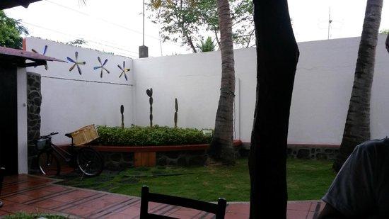 Hotel Galapagos Suites: il patio esterno