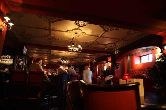 The Hay-Adams: Bar is in the basement