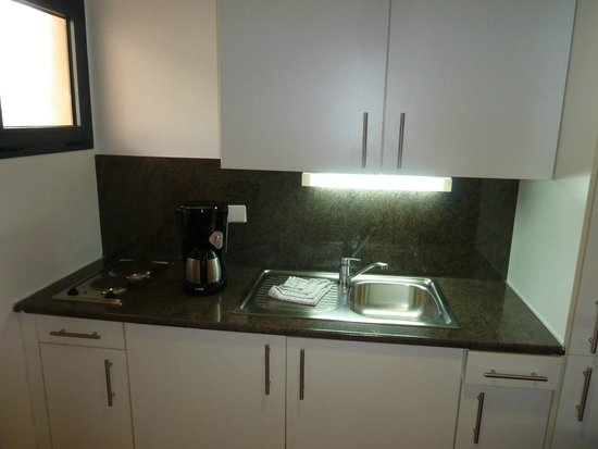 Playitas Aparthotel: Küchenbereich