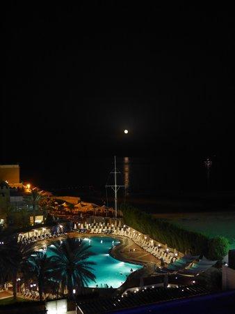 Radisson Blu Hotel, Kuwait: Sky Lounge Night Time Sea View
