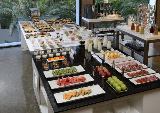 NH Madrid Principe de Vergara: Desayuno Buffet