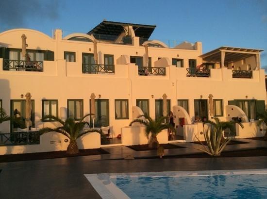 Anastasis Apartments: stanze...al tramonto