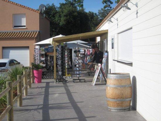 Camping Signol : l'épicerie