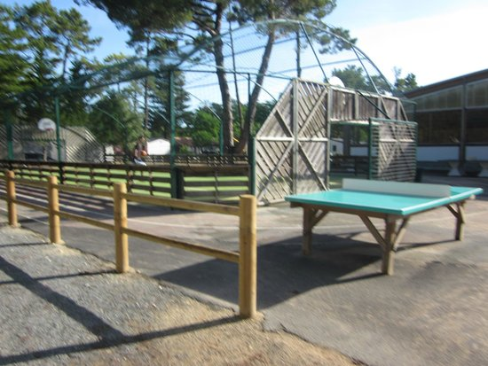 Camping Signol : le terrain multi sports