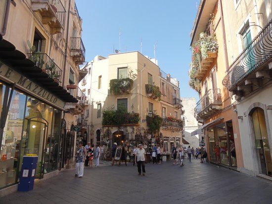 Sicily Limousine Service Day Tours: Taormina
