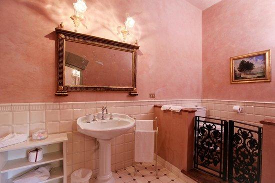 Villa Poggio Bartoli: un bagno particolare