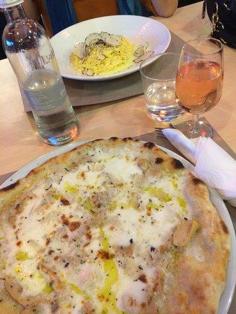 Truffle Gourmet : White truffle pizza and white truffle pasta, so yummm