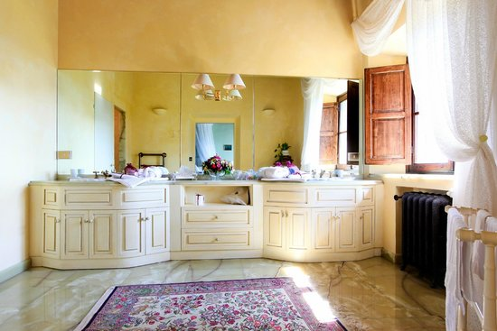 Villa Poggio Bartoli: uno dei nostri splendidi bagni