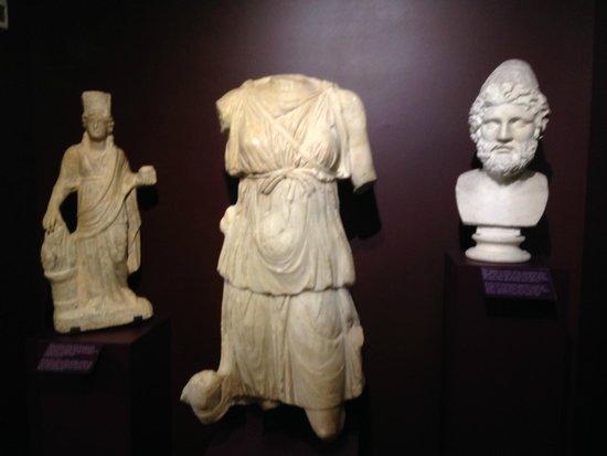 Musee d'Art Classique de Mougins: sculptures