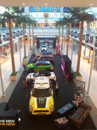 Marina Mall: мини куперы