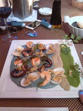 Gastronomia El Buzo: Arena Beach