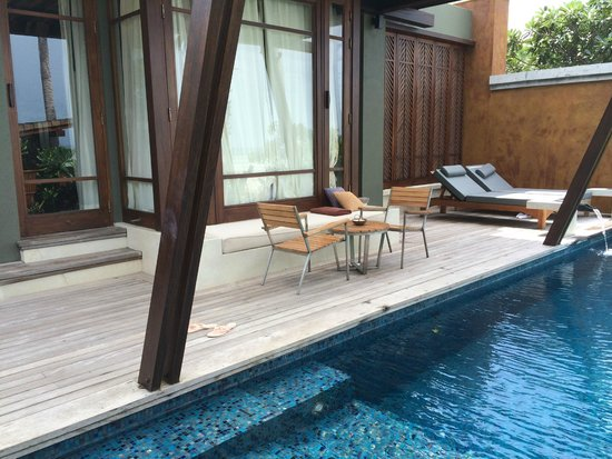 Mai Samui Resort & Spa: pool area in pool villa