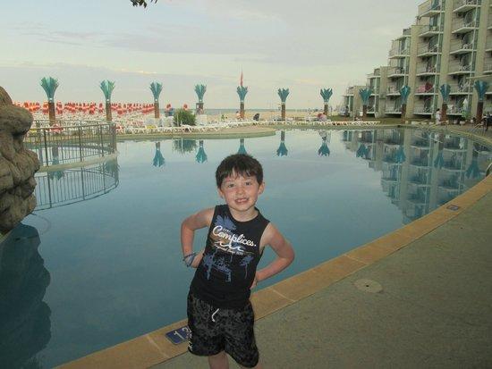 Hotel Borjana: piscine