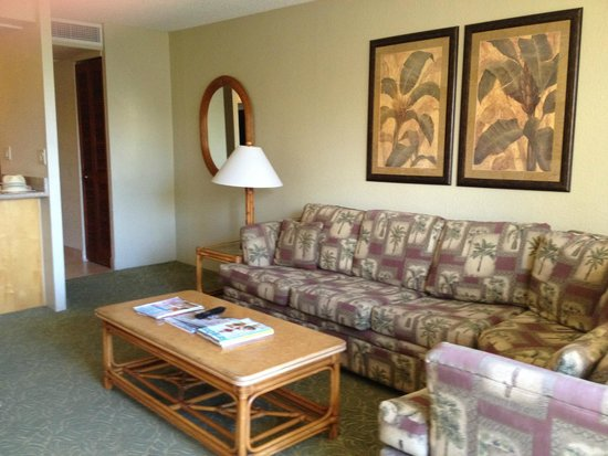 Aston Kaanapali Shores: Large sectional couch in living room