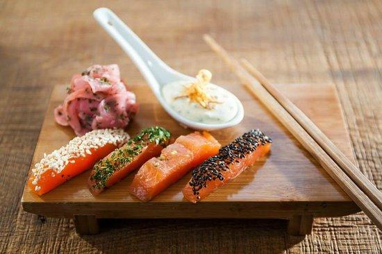 Restaurant Upper Eat Side : Beizfisch-Sashimi, Honig-Senf-Dill, Ingwerradiserl