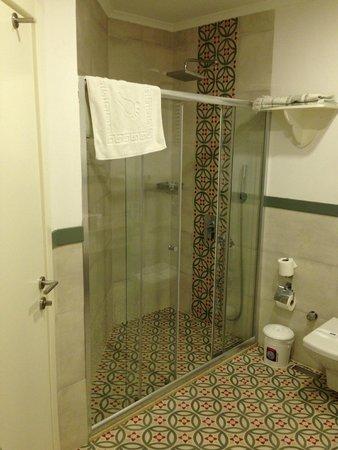 Sea Breeze Apart Hotel: Bathroom