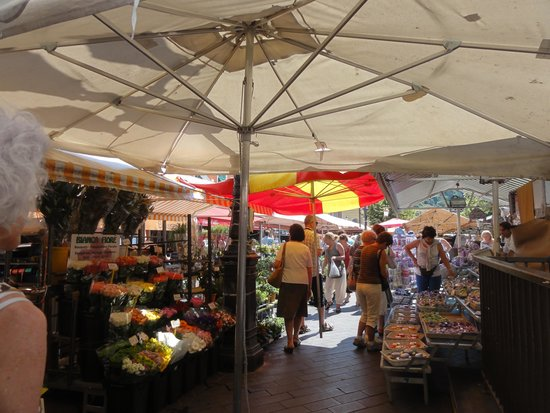 Exclusive Riviera Private Tours : Nice Flower Market