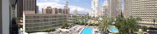 Flash Hotel Benidorm: panoramic view from balcony
