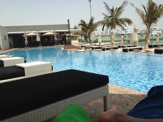 Jumeirah at Etihad Towers: piscina 2