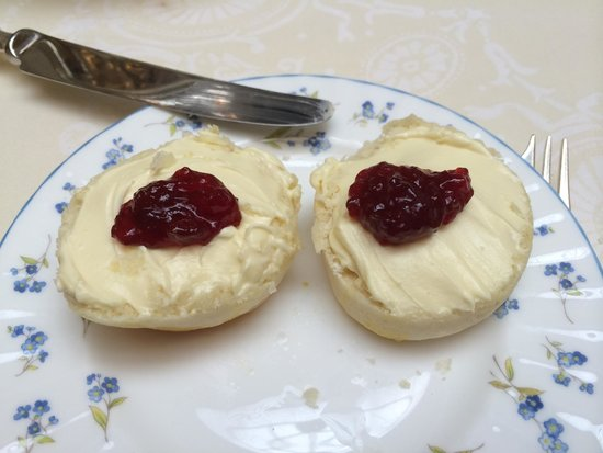 The Ritz London: Freshly Baked Clotted Cream Scones