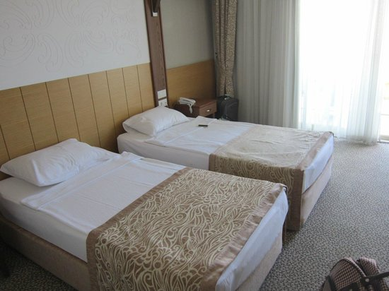 M.C. Park Beach Resort: 5