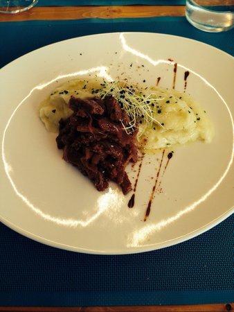 Fang i Aram Restaurant Vegetarià: Seitan con cipolle caramellate e puré di patate
