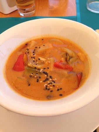 Fang i Aram Restaurant Vegetarià: Ottima minestrina al curry e latte di cocco