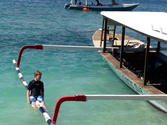Manta Dive Gili Air: josh mucking about