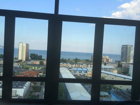 smartline Meridian: Utsikt fra hotellresturanten mot stranden