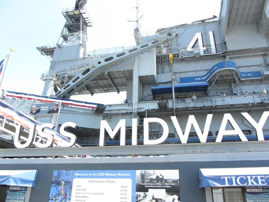 Ramada San Diego North Hotel & Conference Center: Le porte-avion USS Midway
