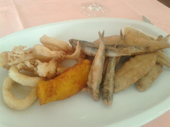Restaurante La Tasca: Mesón La Tasca - Frito variado