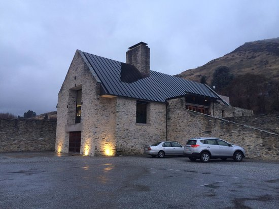 Queenstown Wine Trail: Amisfield winery