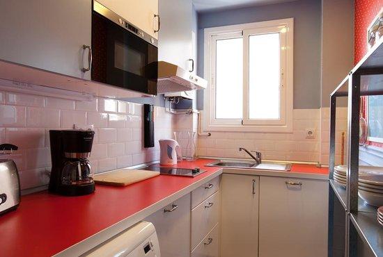 Barcelona  Nextdoor Apartments: Gaudi 31