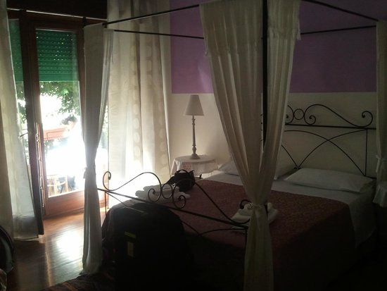 B&B Primavera: chambre avec balcon agréable