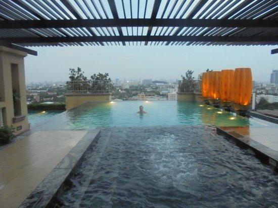 The Four Wings Hotel : la piscine